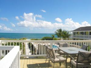 Beachhouse deck