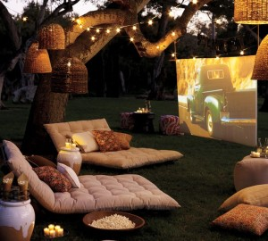 outdoor-movie-night